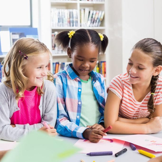 Studenti durante l'attività scolastica